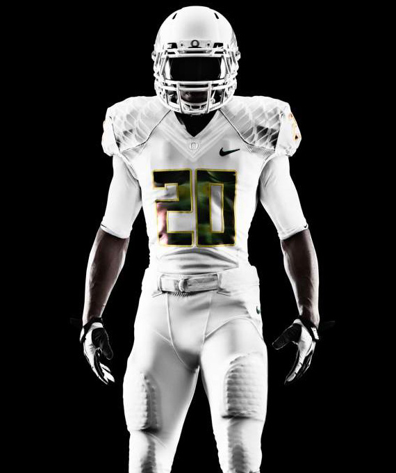 nike-football-university-of-oregon-ducks-white-vapor-uniform-03