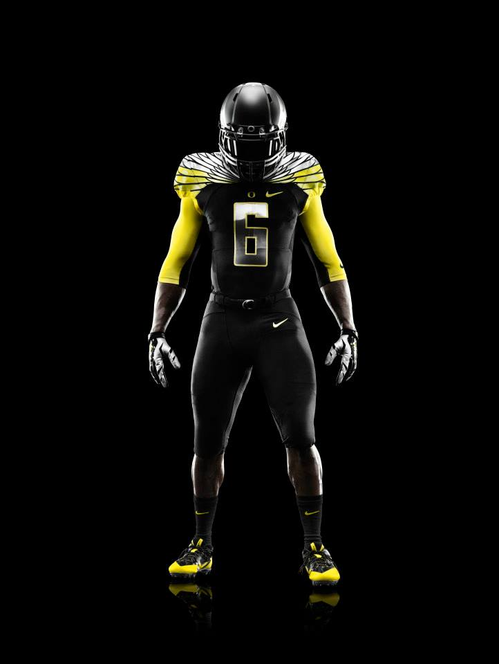 oregon-ducks-black-nike-mach-speed-uniforms